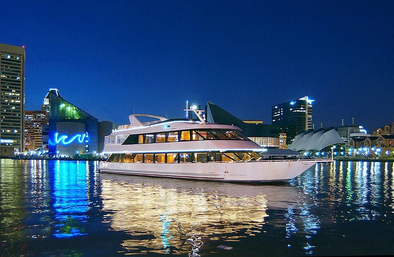 Party Yacht MIDNIGHT SUN in Miami