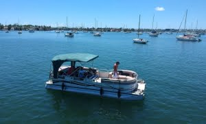 Pontoon party boat