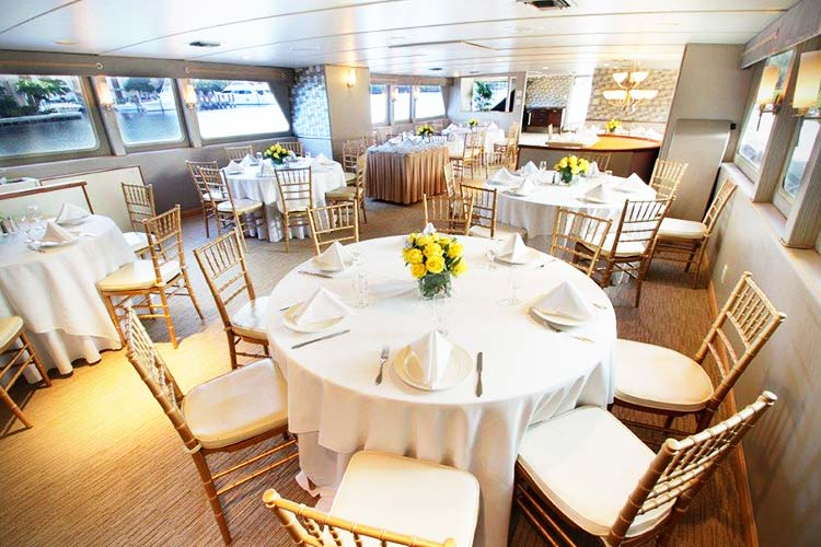 Sun Dream Guests 149 Charters From Boatmiami